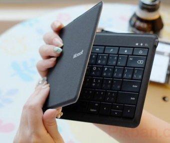 【Microsoft微軟萬用折疊式鍵盤】手機平板變身輕巧小型隨身辦公室!回信打文章更快速!