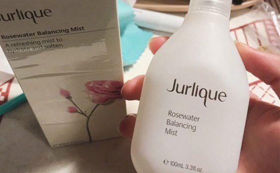 茱莉蔻玫瑰保濕花卉水試用報告